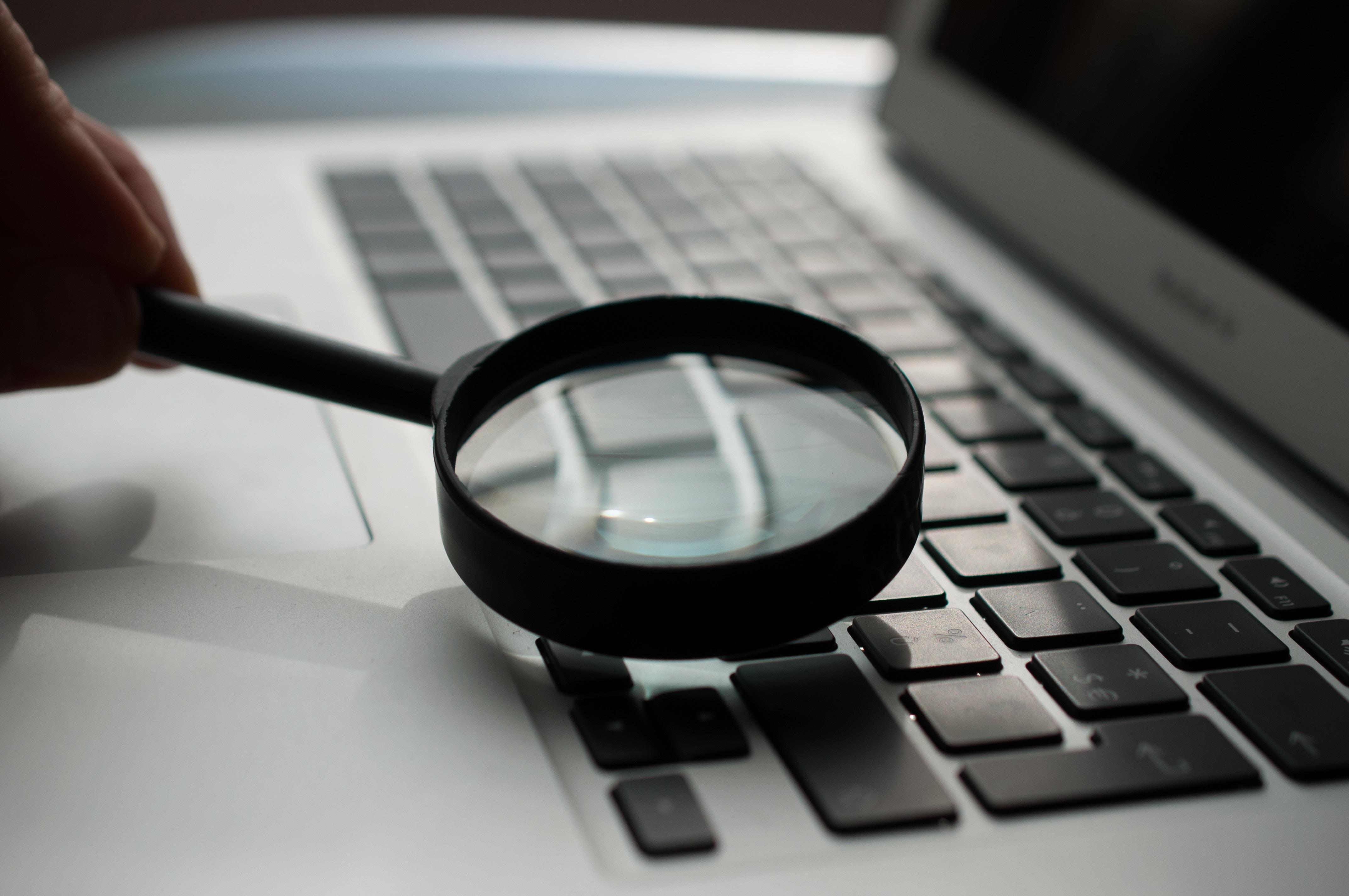 6-misverstanden-wetgheving-e-facturatie-vergrootglas-loep-blog-bct